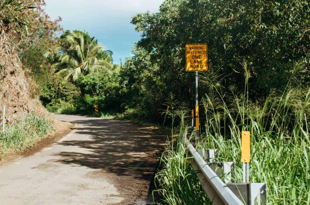 Is driving in maui difficult?