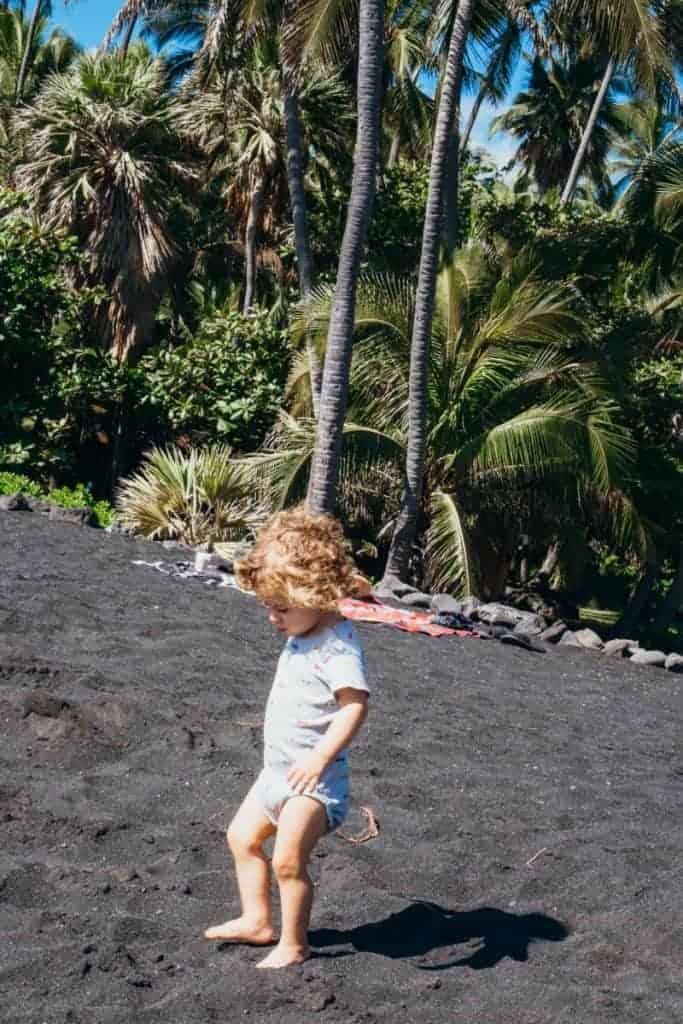 Black sand beach south of Hilo and Kona