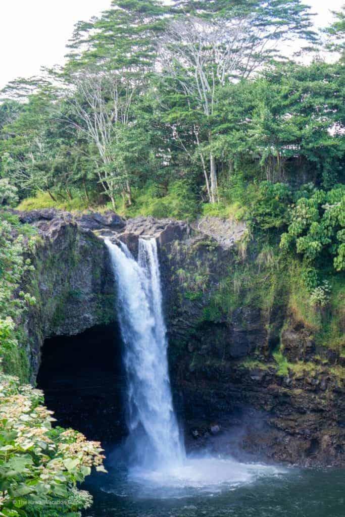Big Island travel Guide Rainbow Falls in Hilo