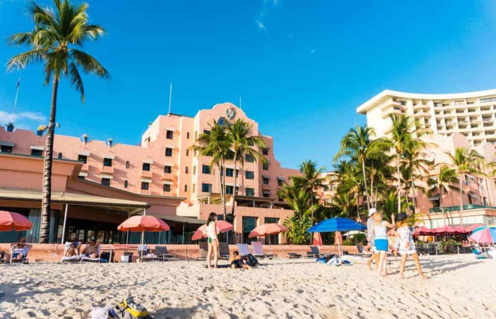 Oahu Travel Guide Waikiki Beach The Royal Hawaiian