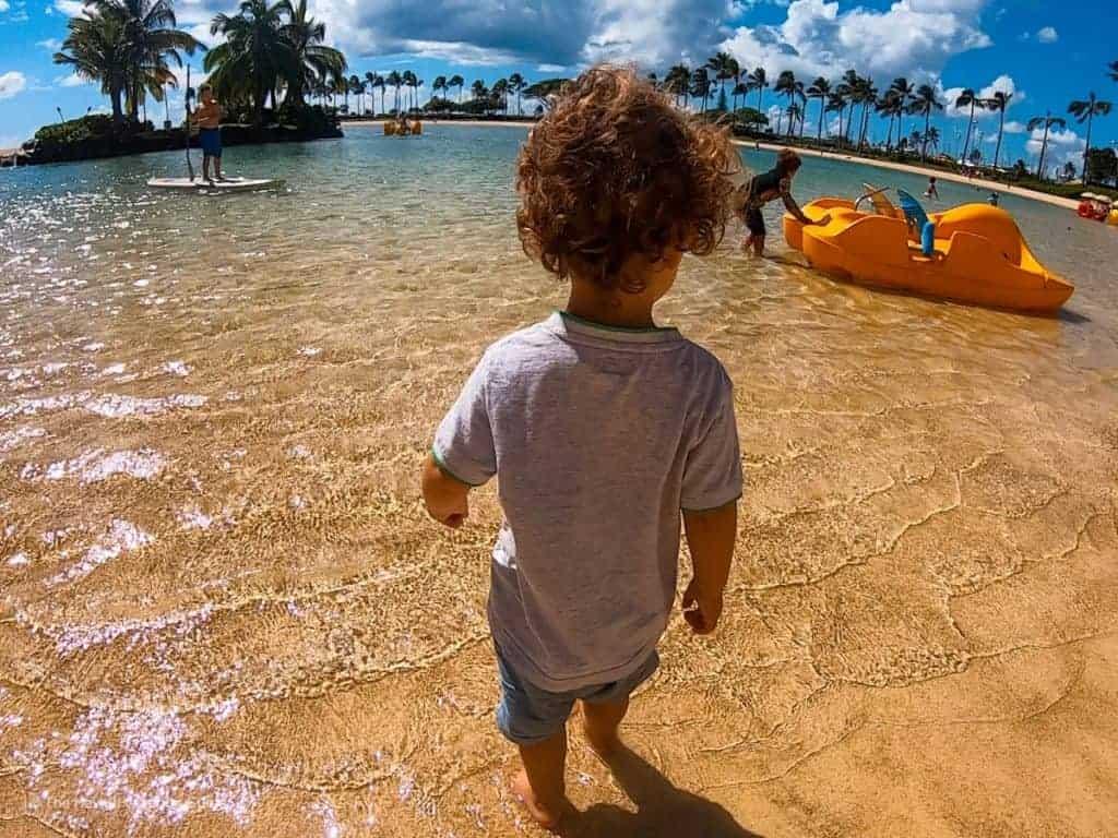 which hawaiian island to visit oahu family resorts