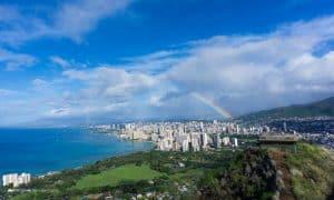 easy hike oahu hawaii Diamond head family hike