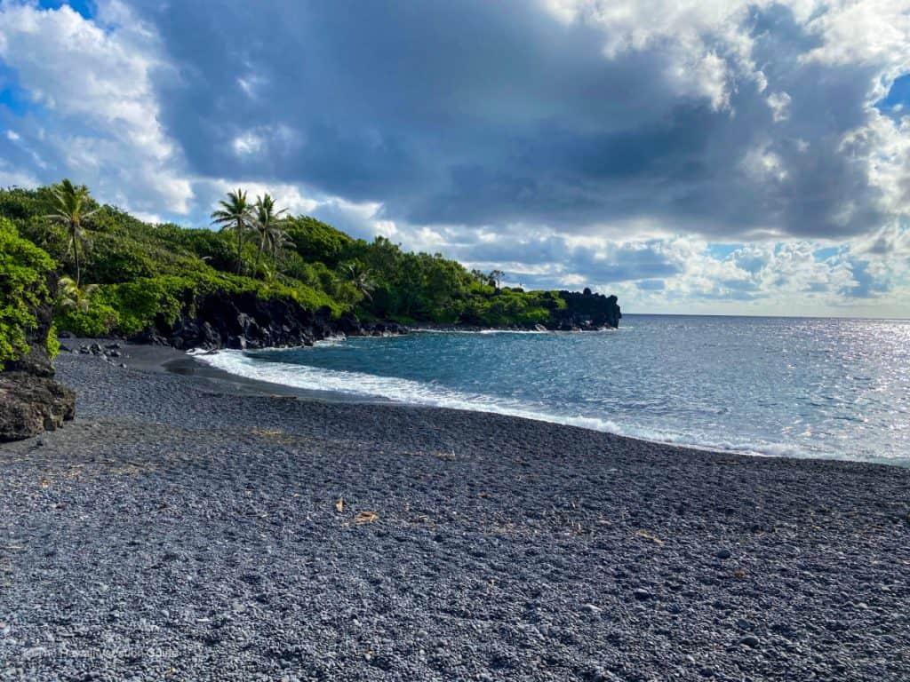 road to hana in one day waianapanapa black sand beach