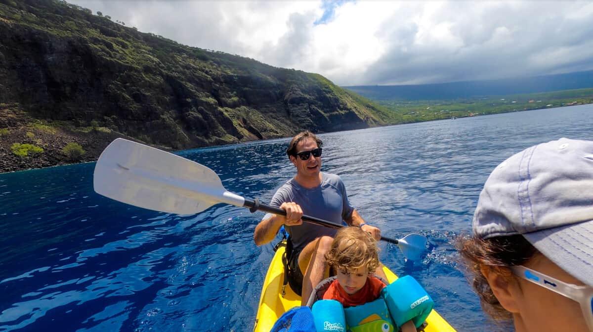 kayaking across Kealakekua Bay