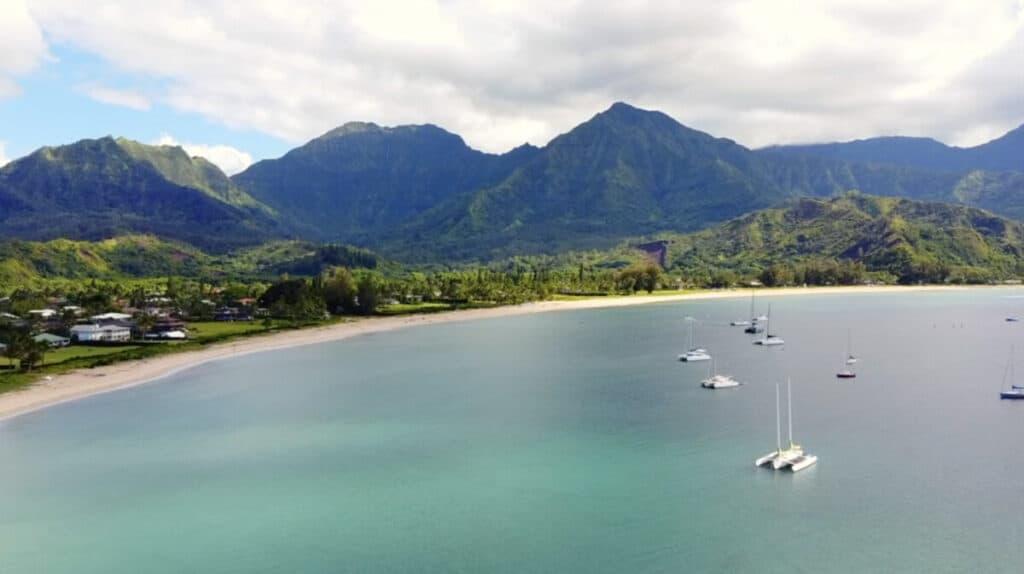 Maui vs Kauai Hanalei Bay