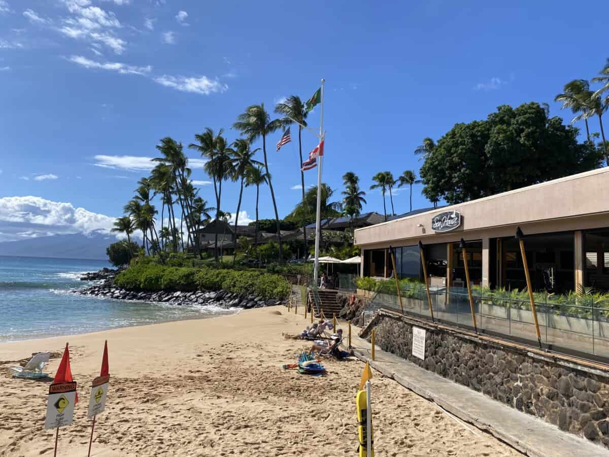 Dinner on the Beach in Maui: Private Dining and Beachfront Restaurants