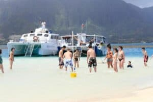 Captain Bobs kaneohe sandbar tour beach volleyball