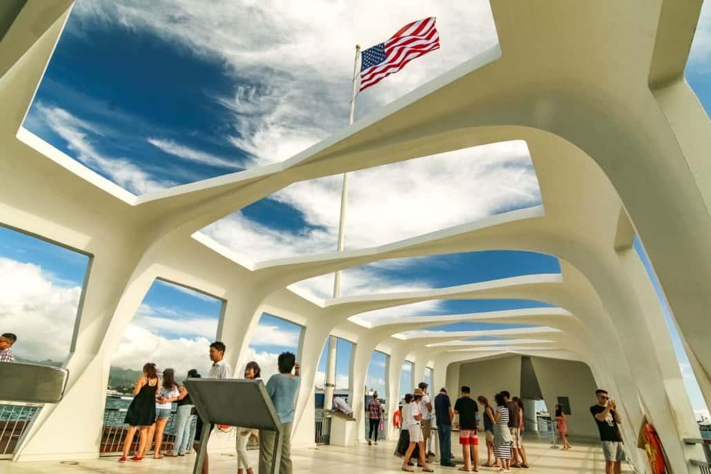 Pearl Harbor Tour-Arizona-Memorial-Visitors-and-Flag-Pearl-Harbor-Oahu