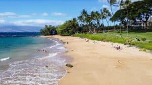 Which Hawaiian island has the best beaches