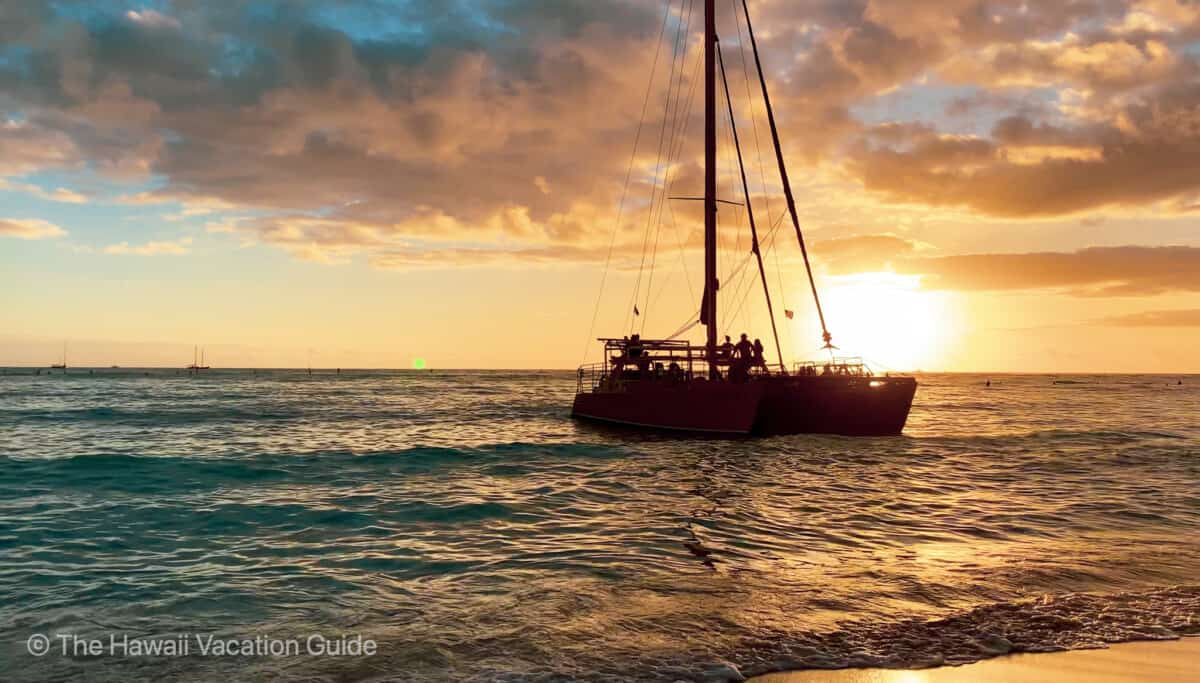 Waikiki Sunset Sailing Tour